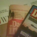 Morgonfika med den rosa tidningen
